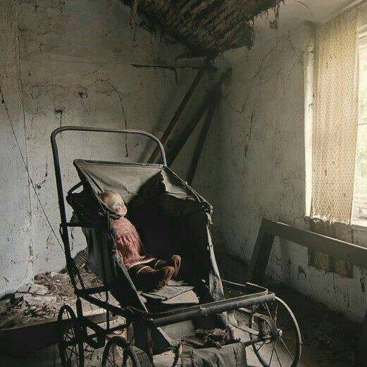 abandoned-house-with-doll