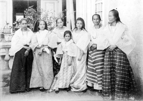 Tagalog women and girls some showing white blood, Bacoor, Cavite 1899 u of mich