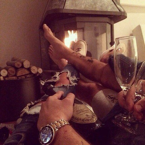 couple-fireplace-relax-romantic-favim-com-2374016